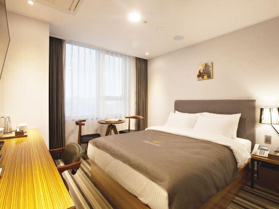 GnB酒店(GNB Hotel)標準大床房