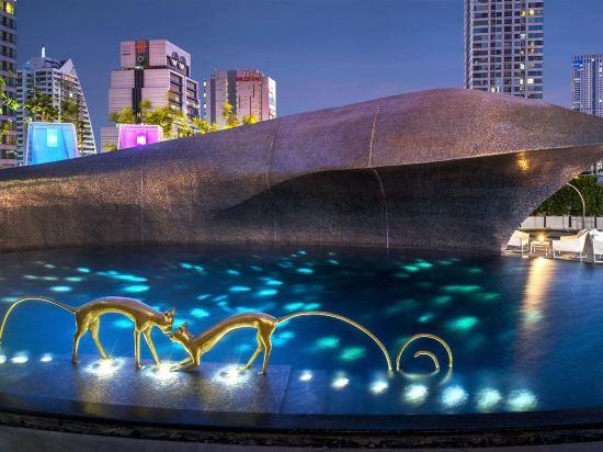 W曼谷酒店(W Bangkok Hotel)室外游泳池
