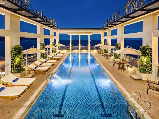 峴港海灘巴利斯德利酒店(Paris Deli Danang Beach Hotel)室外游泳池