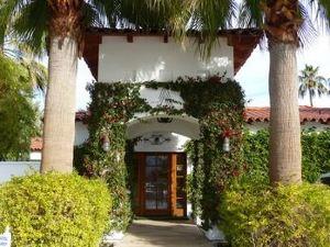 阿爾卡扎棕櫚泉酒店(Alcazar Palm Springs)