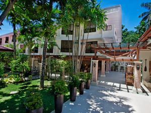 康斯特白拉熱帶海灘度假村