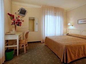 波羅格納酒店(Hotel Bologna)