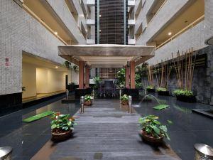 新加坡亮閣薩默塞特公寓(Somerset Liang Court Singapore)