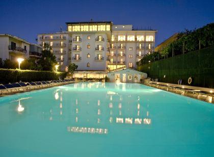 Grand Hotel Ambasciatori Sorrento   5 Star Hotel in Sorrento Centre