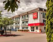 科瓦利斯伊克諾套房旅館