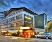 瑟萬提斯酒店