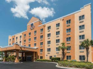 坦帕機場北舒適套房酒店(Comfort Suites Tampa Airport North)