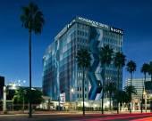 洛杉磯國際機場希爾頓欣庭套房酒店