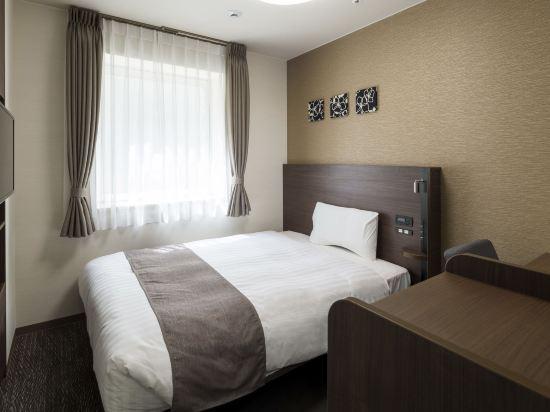 大阪心齋橋舒適酒店(Comfort Hotel Osaka Shinsaibashi)經濟大床房