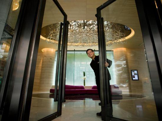 香港銅鑼灣皇冠假日酒店(Crowne Plaza Hong Kong Causeway Bay)外觀