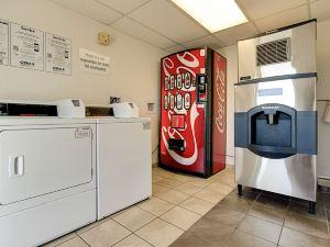 鳳凰城亞利桑那州坦佩6號汽車旅館 - 亞利桑那州立大學(Motel 6 Scottsdale South)