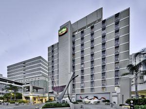 聖胡安米拉馬爾萬怡酒店(Courtyard by Marriott San Juan Miramar)