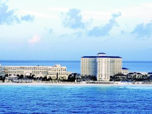 坎昆萬豪度假酒店(Marriott Cancun Resort)