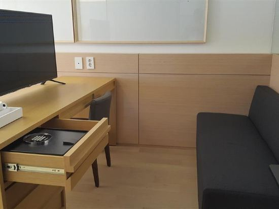 首爾明洞喜普樂吉酒店(原首爾黃金鬱金香M酒店)(Sotetsu Hotels The SPLAISIR Seoul Myeongdong)行政扁柏家庭雙床房
