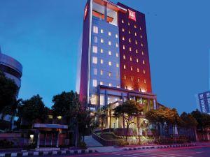 泗水市中心宜必思酒店