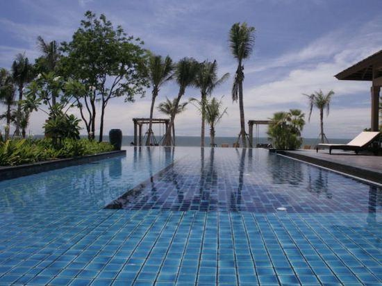 華欣莫維皮克阿薩拉水療及度假酒店(Mövenpick Asara Resort & Spa Hua Hin)室外游泳池