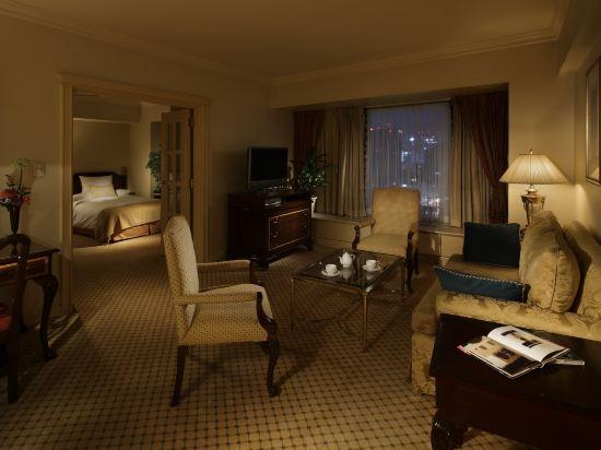 大阪麗嘉皇家酒店(Rihga Royal Hotel)行政樓層套房