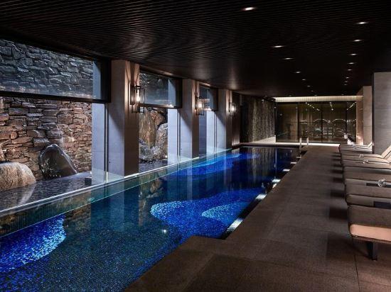 京都麗思卡爾頓酒店(The Ritz-Carlton Kyoto)室內游泳池