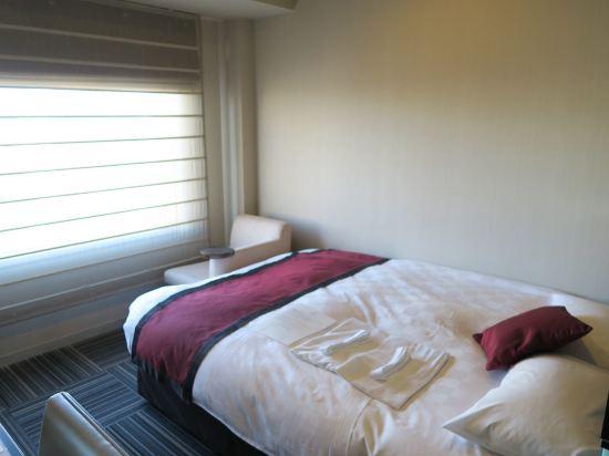 新宿王子大酒店(Shinjuku Prince Hotel)標準大床房