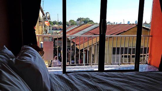 旺郎班提帕旅館