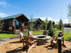 黃石埃克斯普勞勒小屋酒店(Explorer Cabins at Yellowstone)