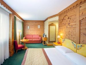 日內瓦雪絨花馬諾特酒店