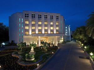 萬壽菊格林公園酒店