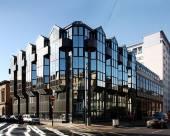 格拉斯哥巴斯街第一高級套房酒店