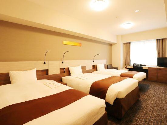 大阪本町微笑尊貴酒店(Smile Hotel Premium Osaka Hommachi)三人房