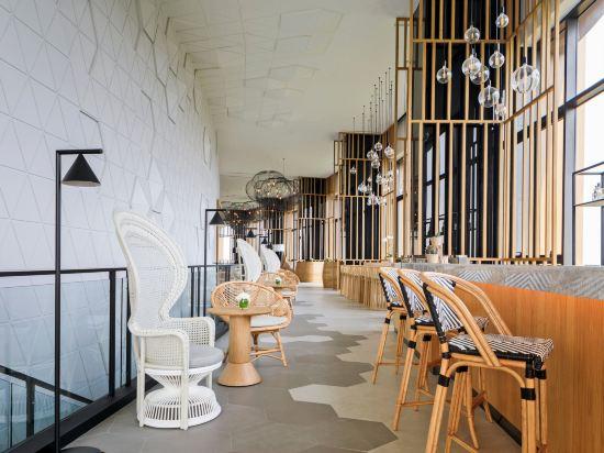 華欣瓦納納瓦假日酒店&度假村(Holiday Inn Resort Vana Nava Hua Hin)酒吧