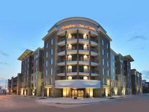 德梅因市中心希爾頓歡朋套房酒店(Hampton Inn & Suites des Moines Downtown)