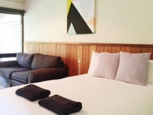 奧考港口汽車旅館(Port o' Call Motel)