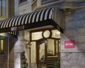 白天鵝酒店