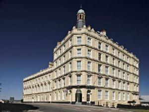 新大陸酒店(The New Continental)