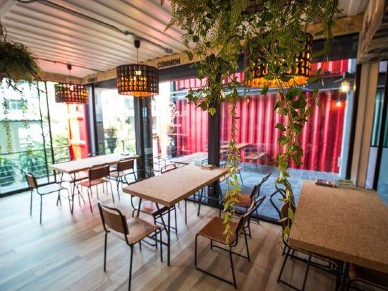 素坤逸膠囊22號旅舍(Sleepbox Sukhumvit 22 Hostel)餐廳