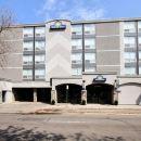 西埃德蒙頓戴斯酒店(Days Inn & Suites West Edmonton)