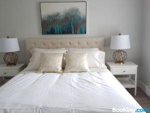 兩卧室優雅空間公寓(2Bdr Elegant Space)