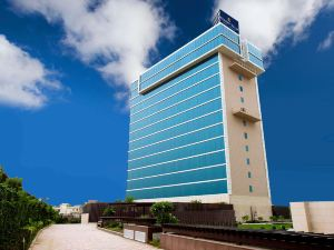 古爾岡金色郁金香套房酒店(Golden Tulip Suites Gurgaon)