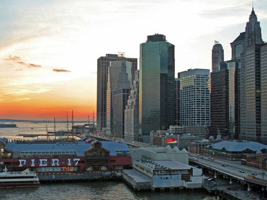 紐約市中心萬豪酒店(New York Marriott Downtown)外觀