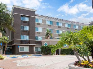 聖迭戈動物園海洋世界區舒適套房酒店