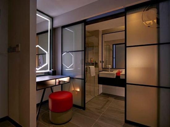 吉隆坡紅酒店(Red by Sirocco Kuala Lumpur)俱樂部特大床房
