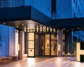瓦利天金酒店