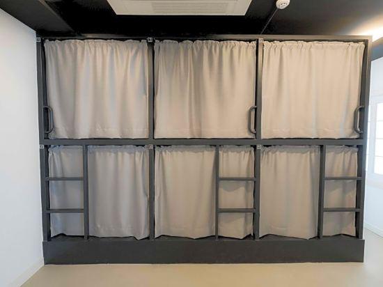 帆布旅舍(Canvas Hostel)8人女生宿舍(單人床位)