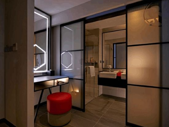 吉隆坡紅酒店(Red by Sirocco Kuala Lumpur)高級特大床房