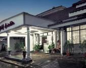 加侖安妮提塔酒店