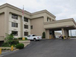 納什維爾市中心體育場品質酒店(Quality Inn Nashville Downtown - Stadium)