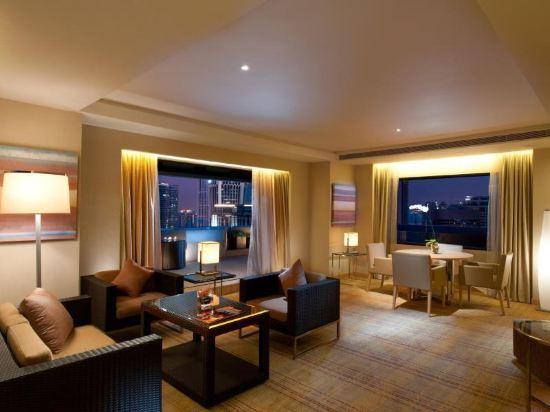 吉隆坡希爾頓逸林酒店(DoubleTree by Hilton Hotel Kuala Lumpur)1 King Bed Terrace Suite