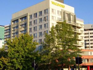 堪培拉華爾道夫公寓酒店(Waldorf Canberra Apartment Hotel)