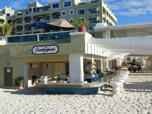 格蘭加勒比溫泉度假酒店(Gran Caribe Resort & Spa Cancun All Inclusive)