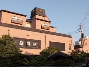 烏姆拉亞旅館(Ryokan Oomuraya)